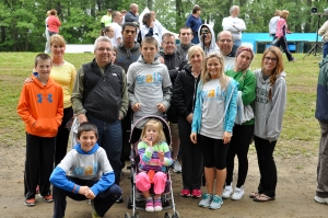 Mike and his family and closest friends at the Highmark Walk for a Healthy Community – supporting NKF as their charity of choice